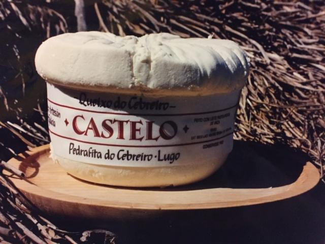 Primeros quesos elaborados en la Quesería Castelo de Brañas